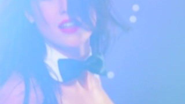 Amanda Cerny strip