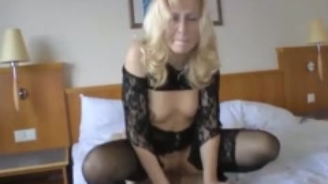 Young inserted cancer old whore while parents were not at home