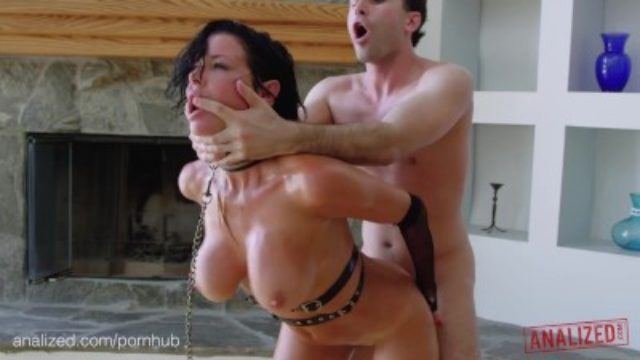 ANALIZED – Veronica Avluv's MILF ass double stuffed with huge cocks